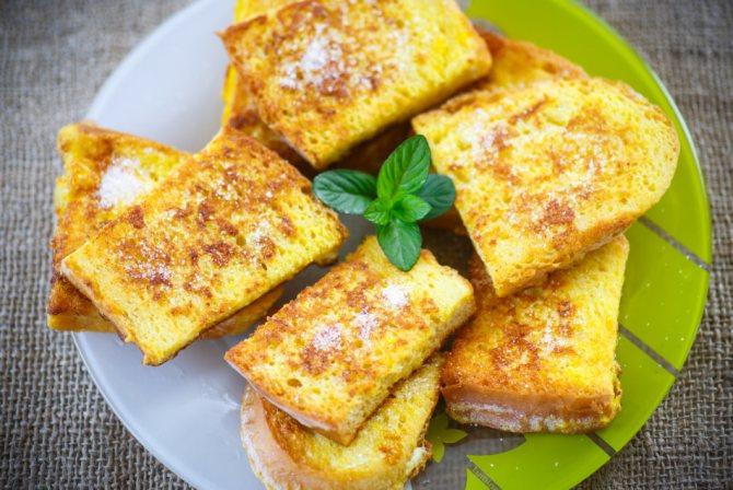 Как вкусно пожарить сладкий белый хлеб с сахаром без молока на сковороде: рецепт