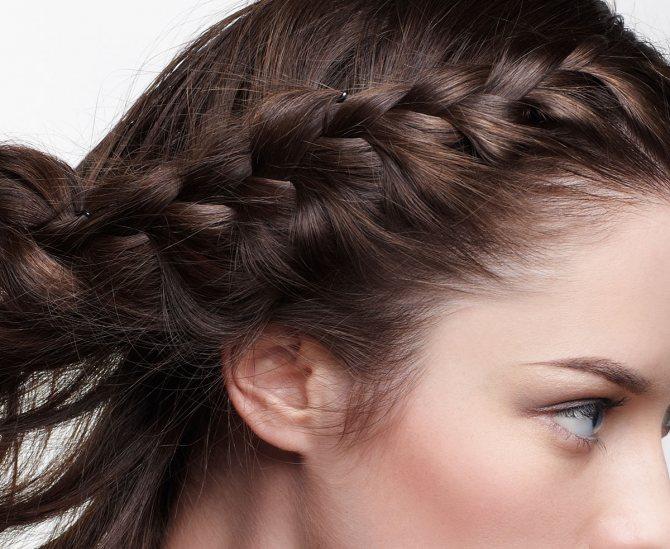 Как вплести челку в волосы