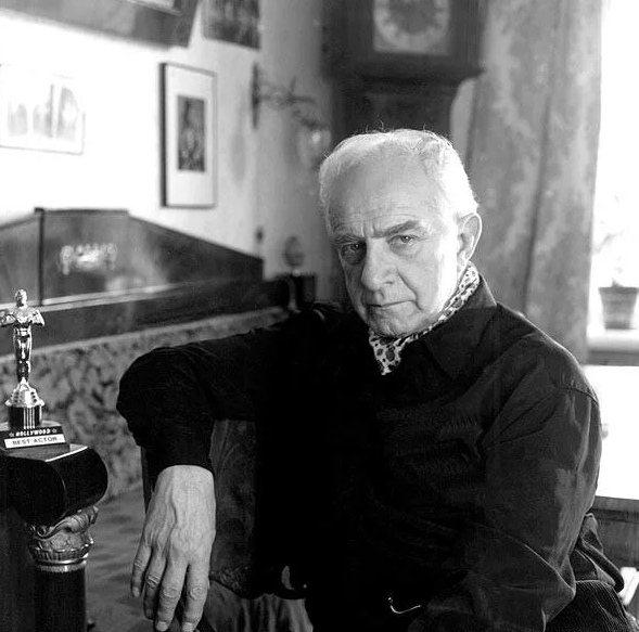 Как выглядел в детстве, аристократ советского кино Игорь Дмитриев и как сложилась его судьба, изображение №15