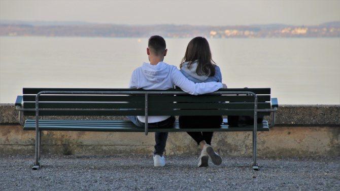 Как заставить ревновать мужчину, чтобы он боялся потерять тебя?