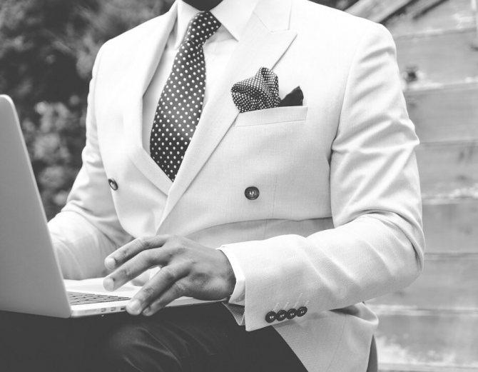 Как завязывать галстук: способы с пошаговыми инструкциями