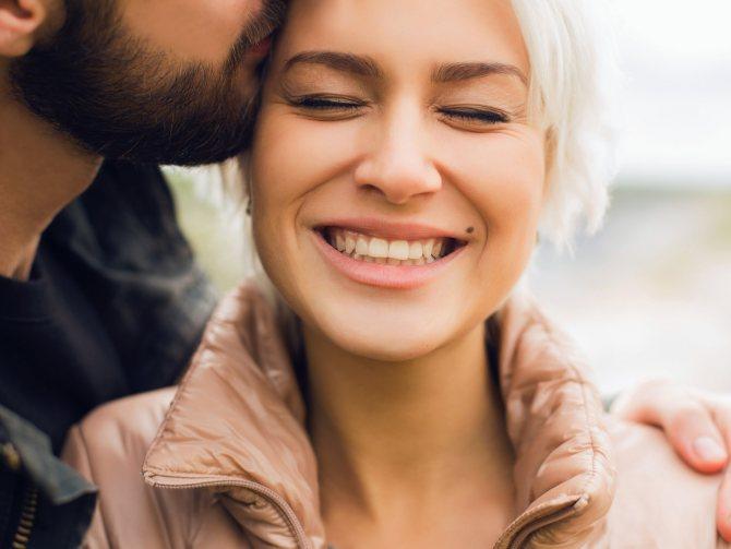 Какая женщина-Водолей в любви, семейной жизни и сексе. Совместимость женщины-Водолея в любви