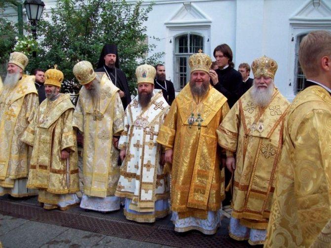 Какого цвета должен быть платок у женщин в церкви?, фото № 4