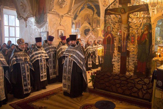 Какого цвета должен быть платок у женщин в церкви?, фото № 8