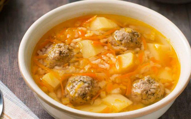 Картофельно-рисовый суп с говяжьими фрикадельками