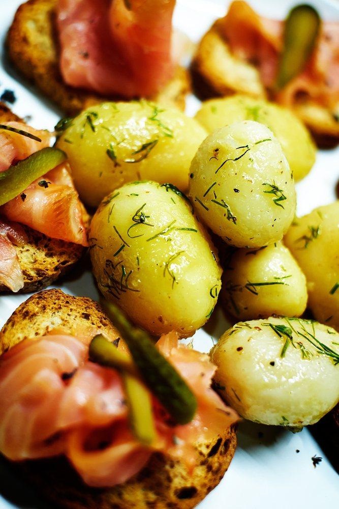 Картофельный салат с рыбой рецепт
