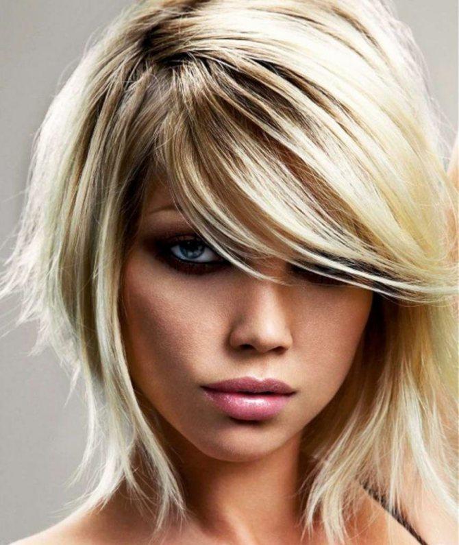 Каскадное каре на средние волосы