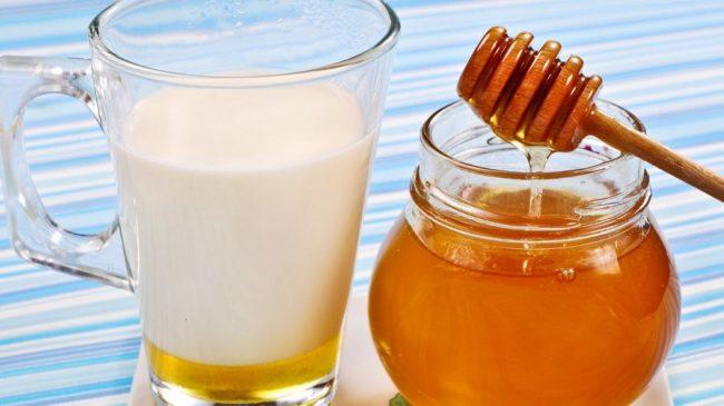 кефир с медом для омолаживающей процедуры