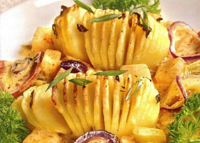 Классическая запечённая картошка фото