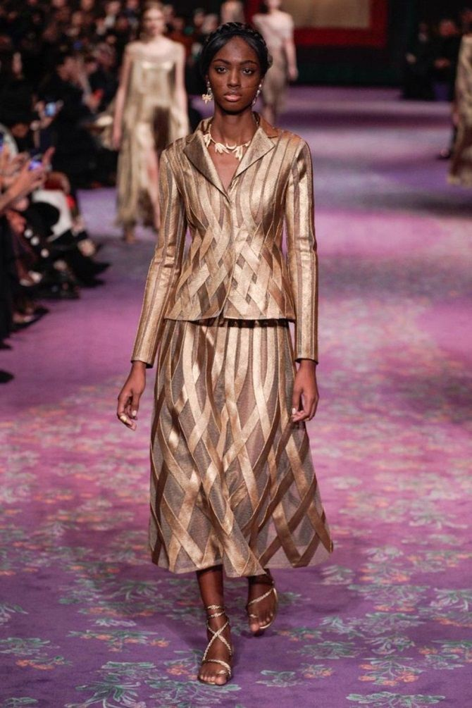 Классические и элегантные платья-костюмы