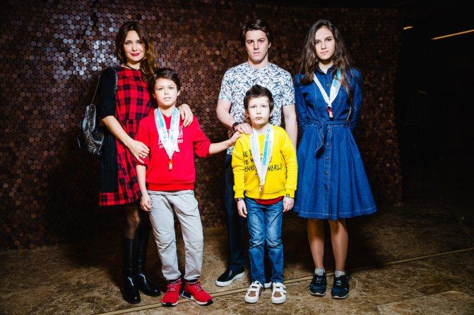 климова с детьми фото