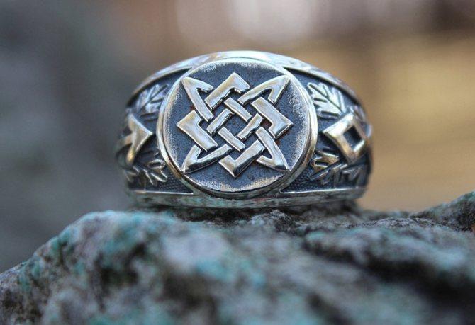 Кольцо с символом Квадрат Сварога