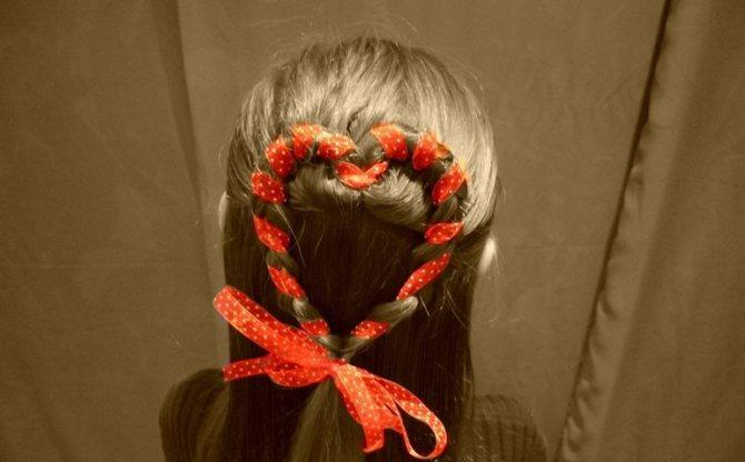 Коса сердечко с лентами