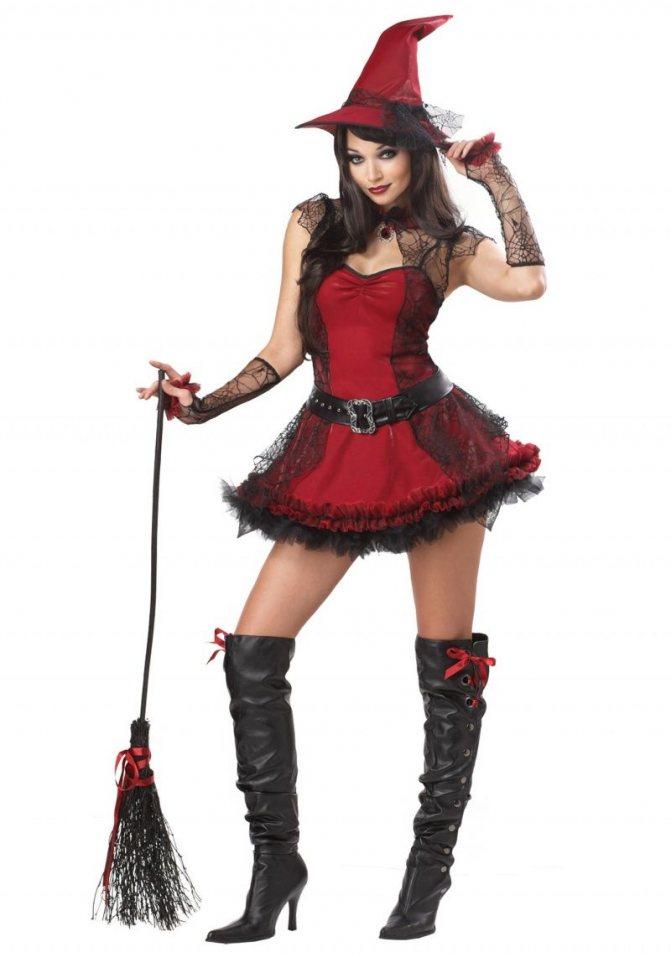 Красное платье идеально дополнит и сделает королевой шабаша