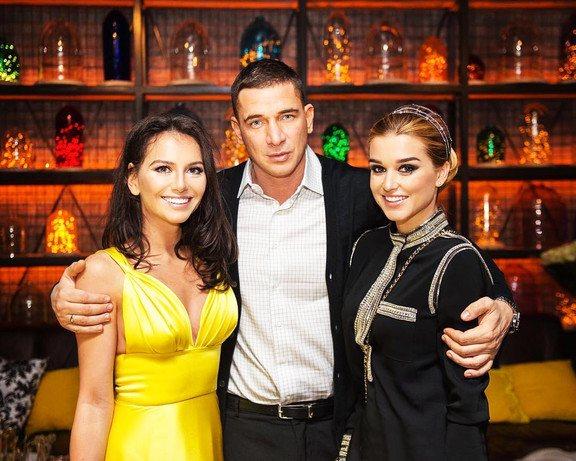 Ксения Бородина с супругом Курбаном и подругой Кариной