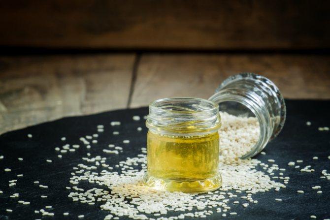 Кунжутное масло очень полезно, но и очень калорийно