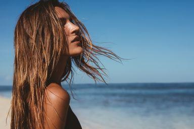 Летний уход за волосами: чего вы не знали