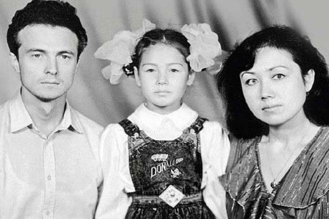 Ляйсан Утяшева с родителями