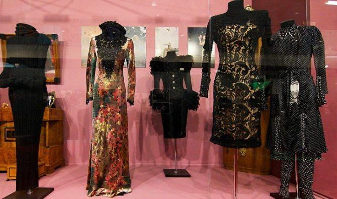 Людмила Гурченко сама моделировала, шила, совершенствовала платья