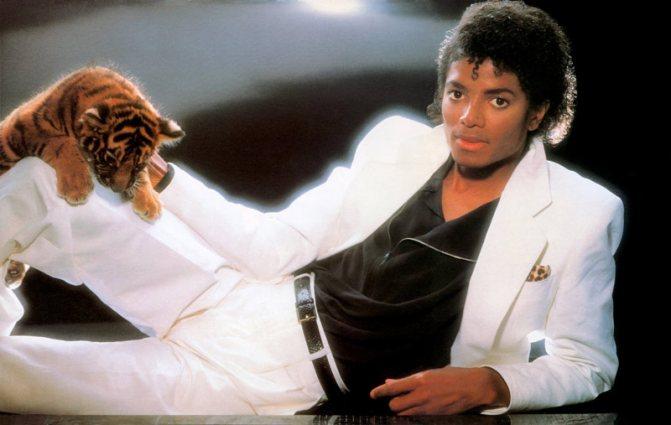 """Майкл Джексон на обложке эпохального диска """"Thriller"""""""