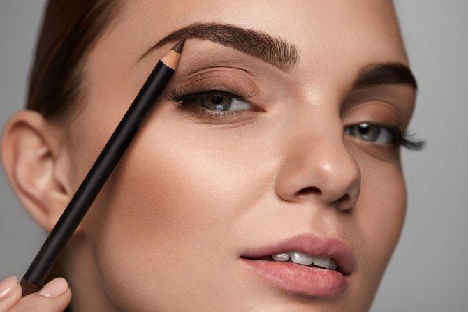 макияж бровей карандашом