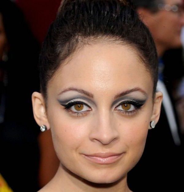 макияж для выпуклых карих глаз