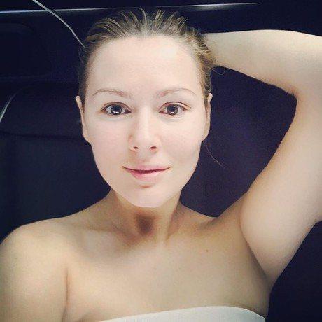 Мария Кожевникова часто выкладывает в Сеть селфи без мейкапа