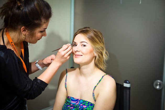 Мария Кожевникова решила отказаться от макияжа, но коллеги ее не поняли