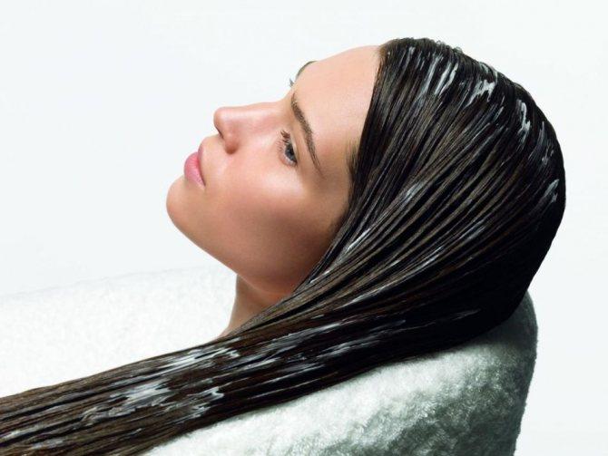 Маска для укрепления волос с луком и кефиром