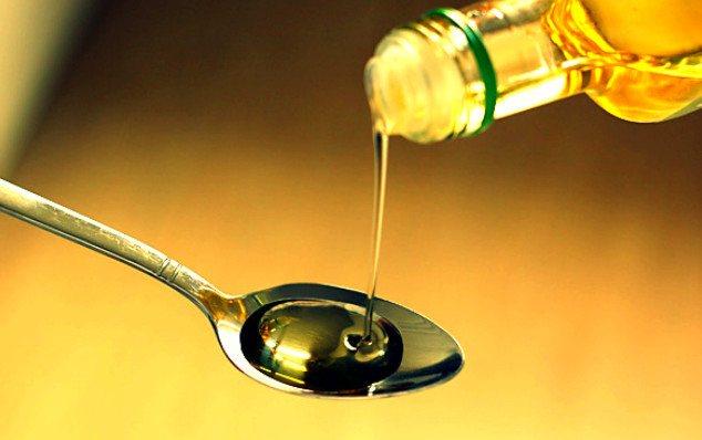 масло в ложке