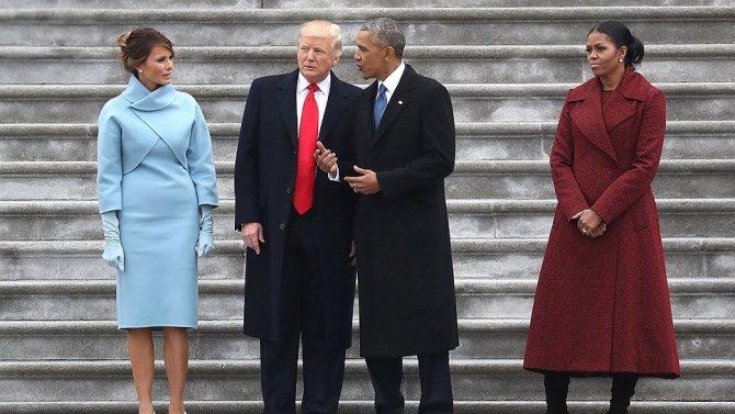 Мелания Трамп, Доналд Трамп, Барак Обама и Мишель Обама на ступеньках Капитолия в день инаугурации Трампа