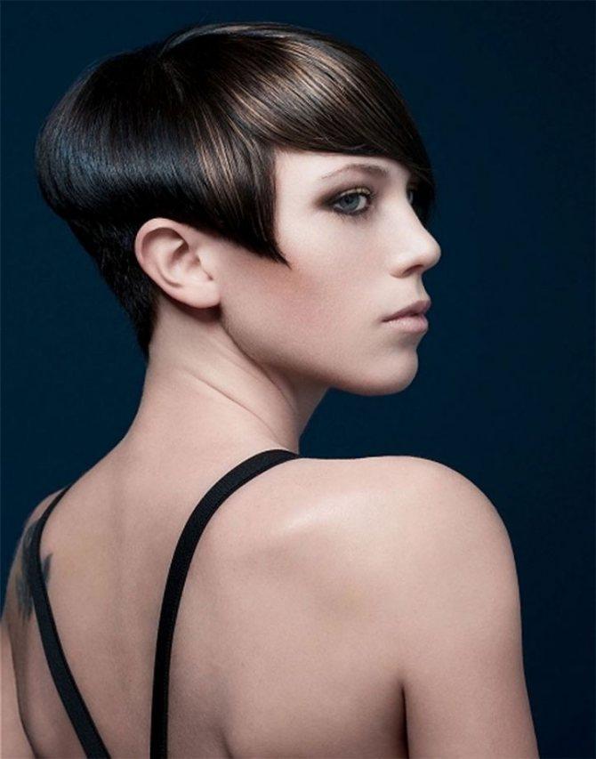 Мелирование челки на тёмные и чёрные волосы