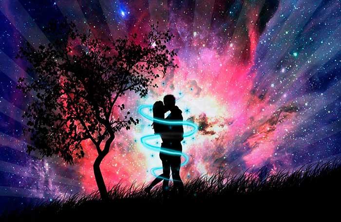 Ментальная или астральная связь между влюбленными людьми