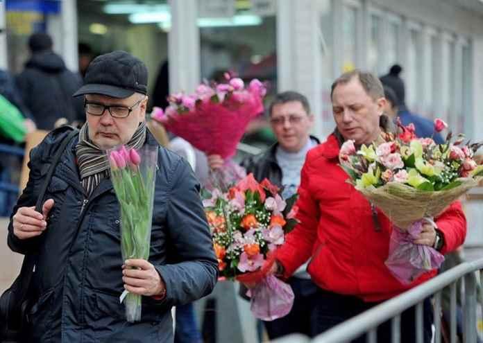 Международный женский день 8 марта: как празднуют, что дарят, история праздника, традиции Info-Vsem.Ru