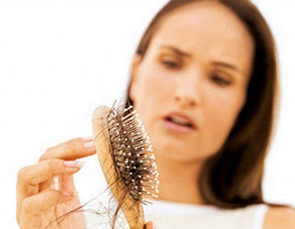 Многие болезни сопровождаются потерей волос