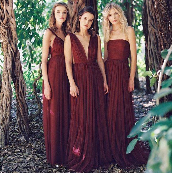 Модные платья для подружек невесты 2020-2021 - тренды, идеи образов на фото