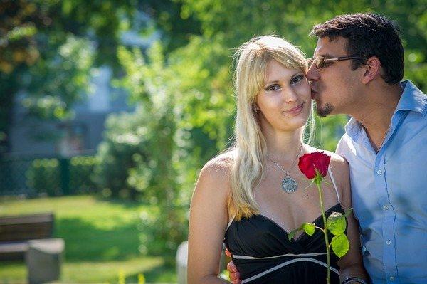 Мой неравный брак. Как сохранить отношения, когда муж моложе на 10 лет?