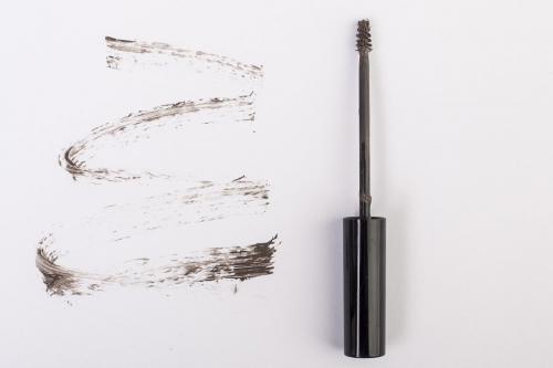 Можно ли красить ресницы тушью для бровей. Как выбрать цвет туши для бровей 24