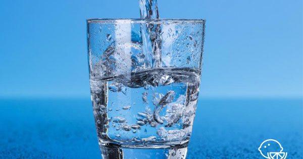 Можно ли пить много минеральной газированной воды? Как газировка влияет на организм?