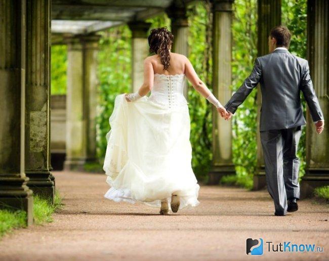 Муж и жена на свадьбе