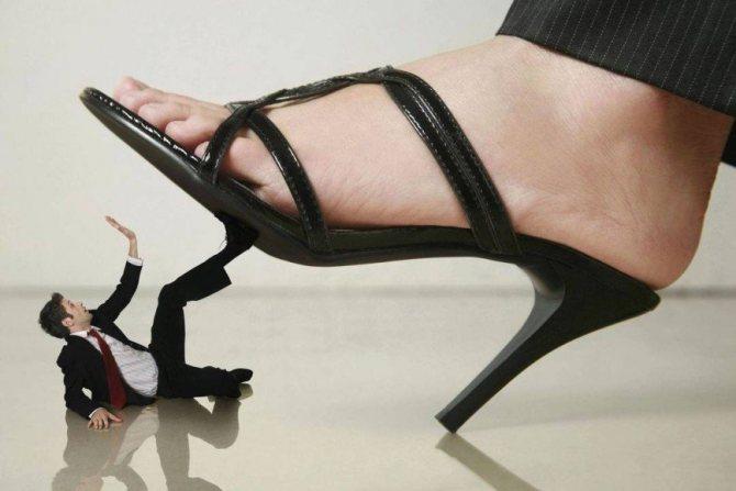 Муж зарабатывает меньше жены: есть ли шанс у такого брака