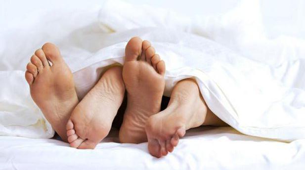 Мужчина Дева и женщина Весы в постели