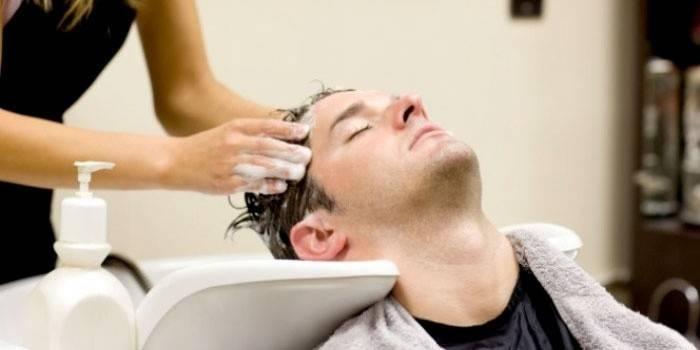 Мужчины используют шампунь раз в 3 дня