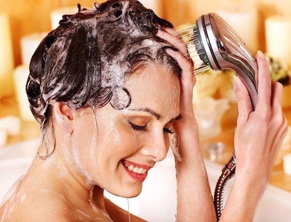 мытье кудрявых волос