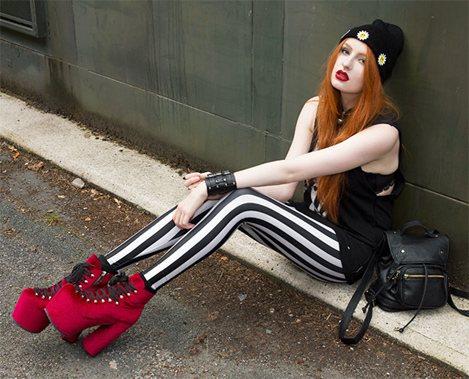 На фото блоггер Оливия, Англия