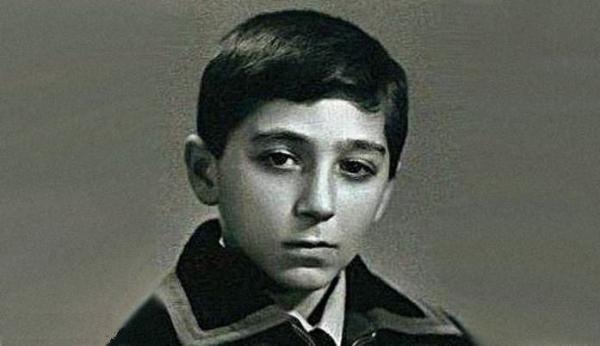 На фото: Григорий Лепс в детстве