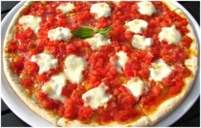 Начинки для пиццы с колбасой, грибами, курицей, фаршем, солеными огурцами, морепродуктами. Рецепты с фото в духовке