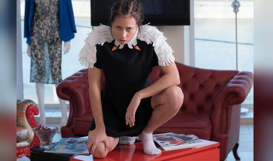 Настасья Самбурская в роли Жанны («Держи удар, детка»)