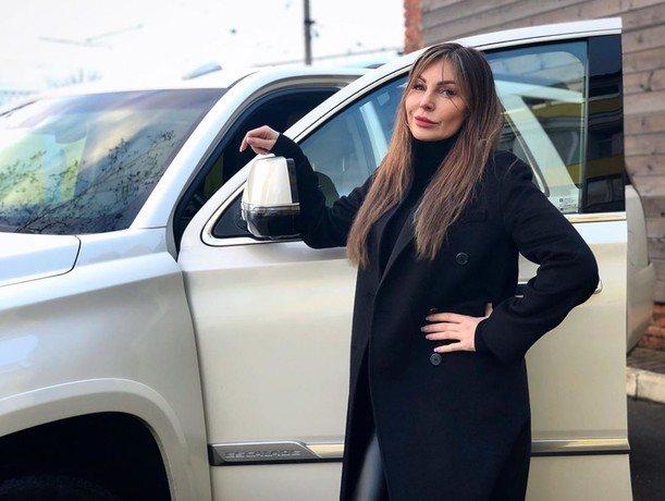 Наталья Бочкарева решила продать свое личное авто