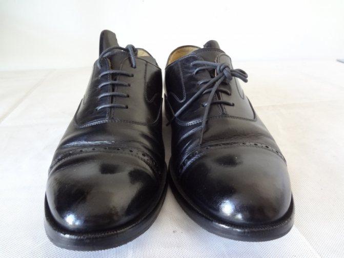 Натертые до блеска ботинки